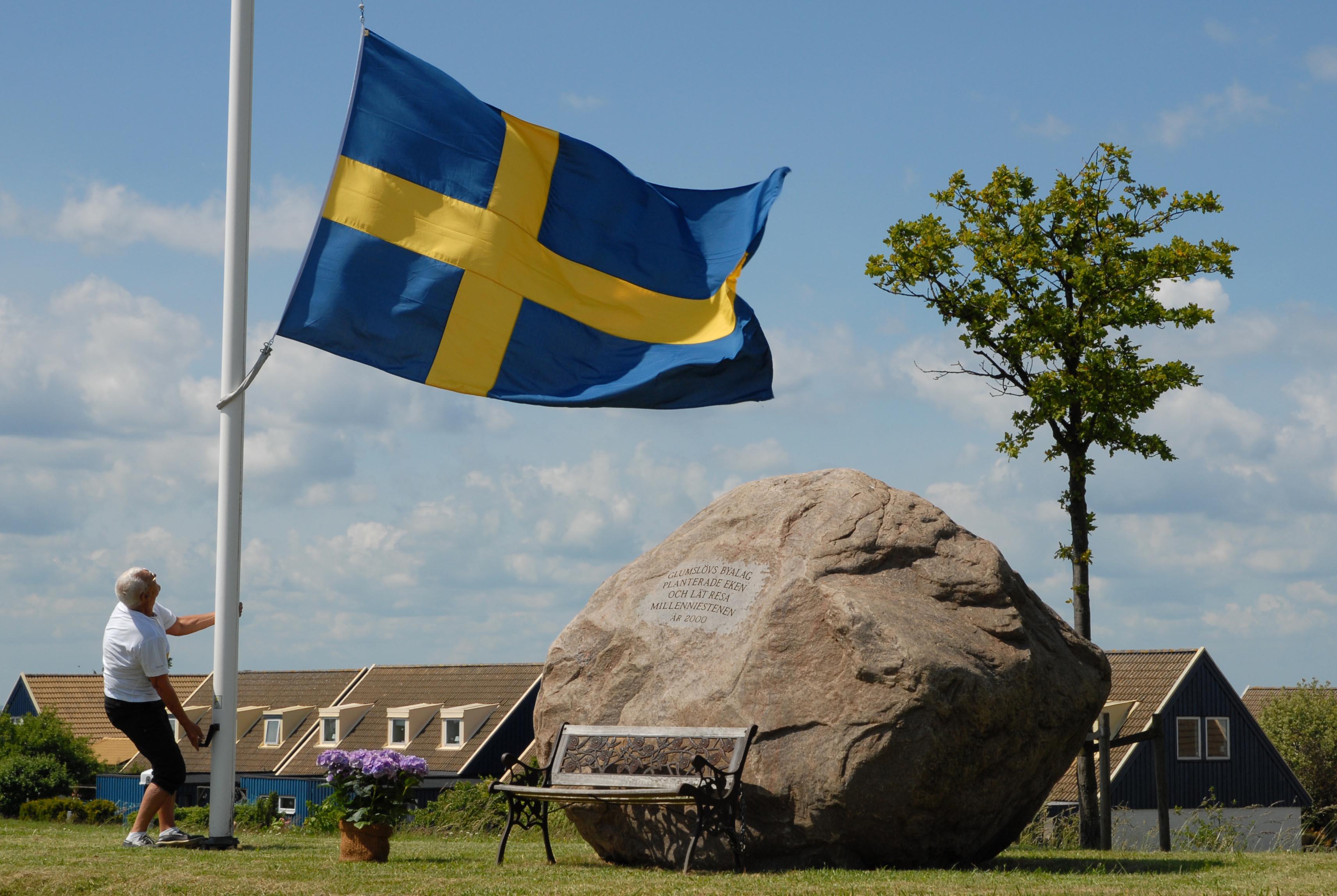 Den 13/7 kl.11 invigs Glumslövs skylten 1200 år